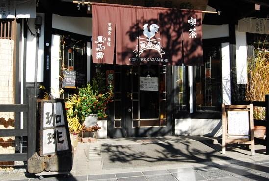 除了商店,也有像這樣精美和洋式的咖啡館