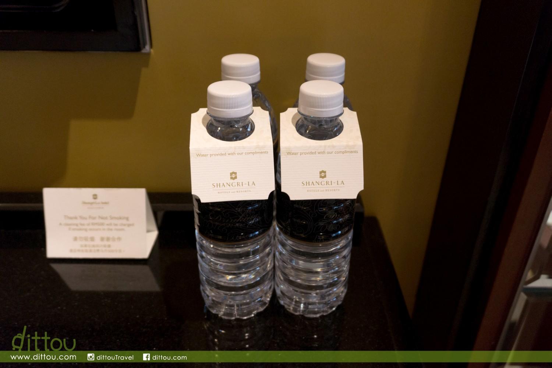 入住香格里拉的最大好處,就是有飲之不盡的清水吧 (笑)