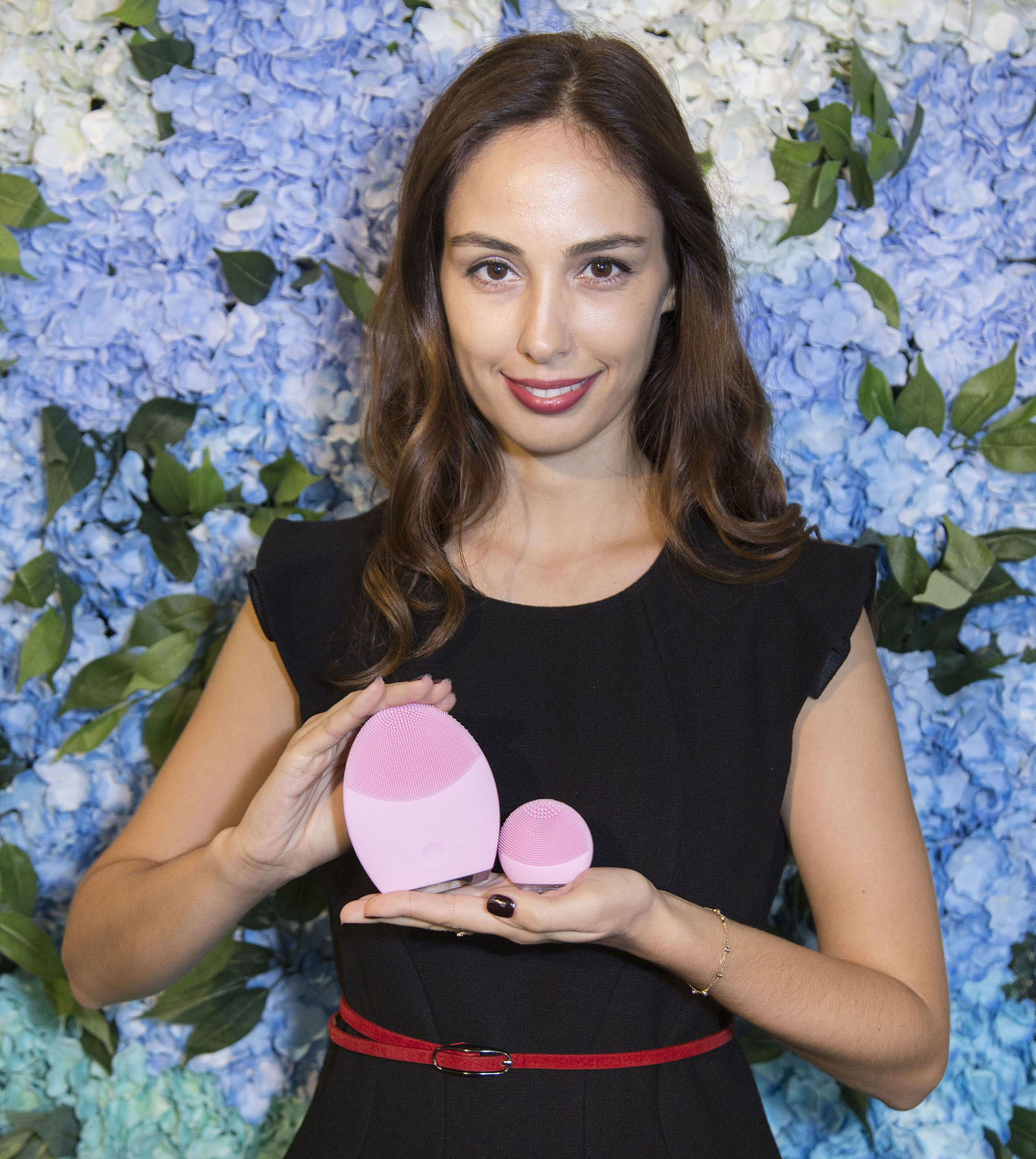 ozlem-polat-asia-marketing-manager-of-foreo-presenting-luna-go-and-luna-2_1